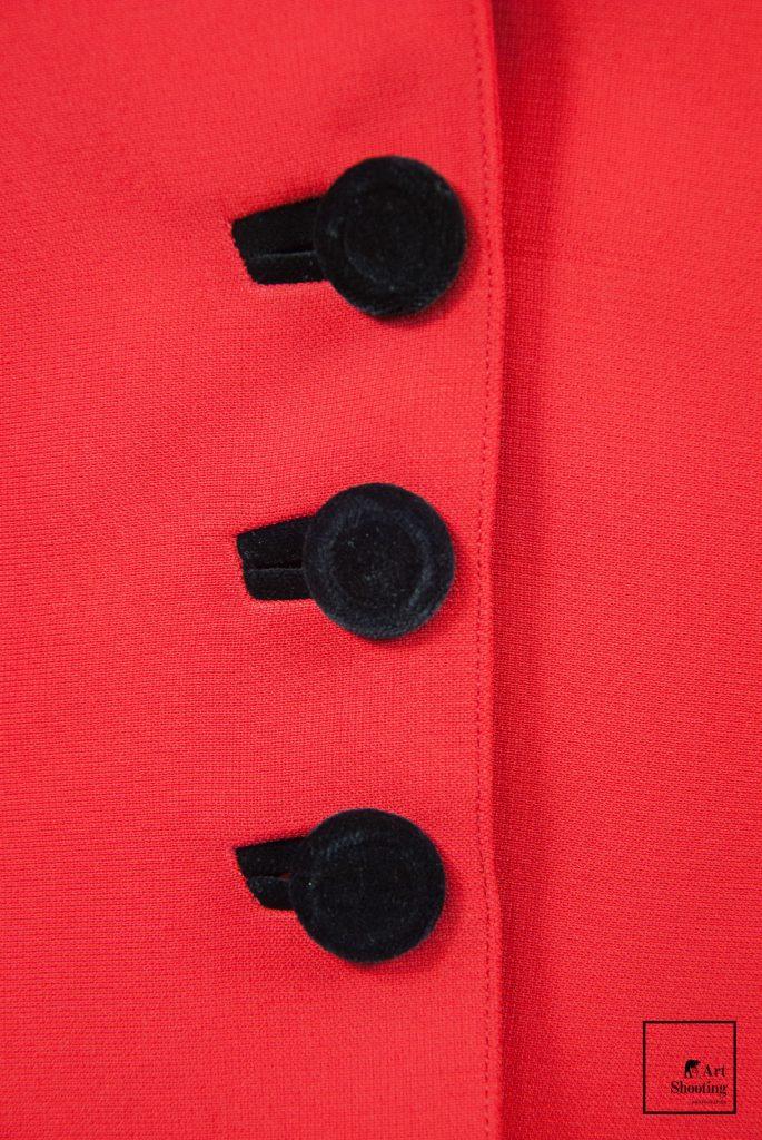 Boutons noir et rouge Mugler