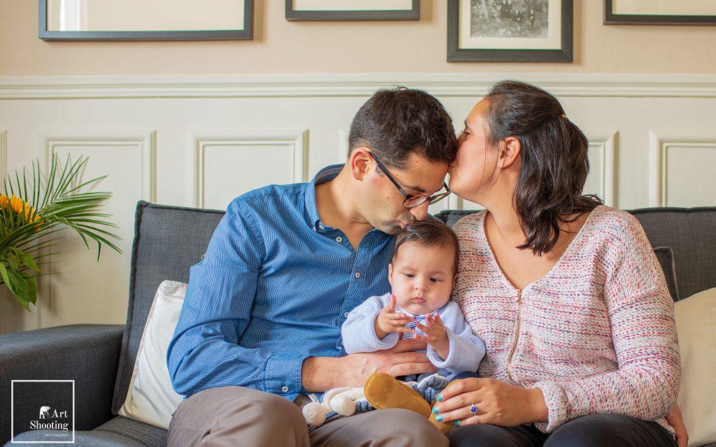 Photo de famille baiser